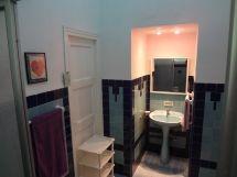 La casa de Daysi y Johanka, baño del primer dormitorio