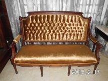 Héctor Suris, tapicería en muebles de estilo, sofá